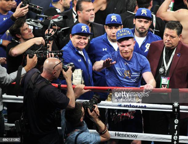 Canelo Alvarez waves to fans after defeating Julio Cesar Chavez Jr on May 6th 2017 at the TMobile Arena in Las Vegas Nevada Saul 'Canelo' Alvarez...