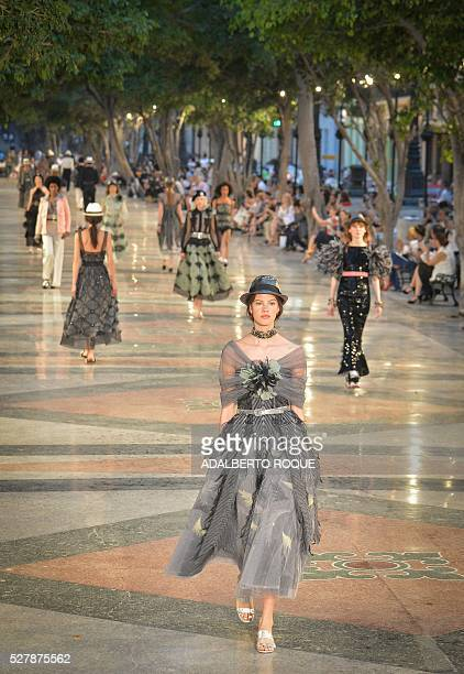 Canel's performance at the Prado promenade in Havana on May 3 2016 / AFP / ADALBERTO ROQUE