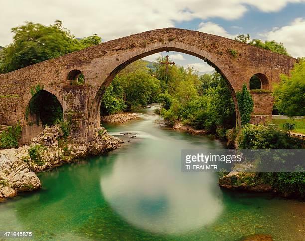 cangas de onís puente romano