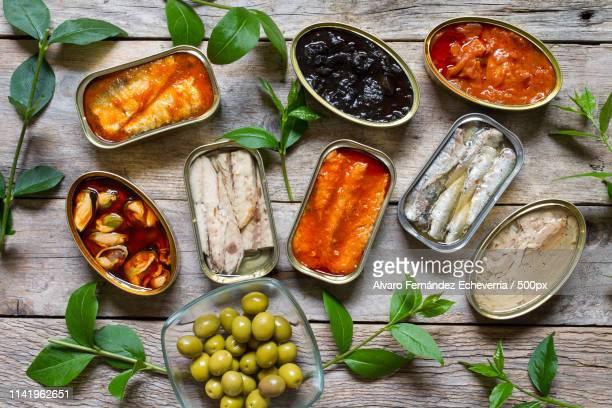 canned food - atún pescado fotografías e imágenes de stock