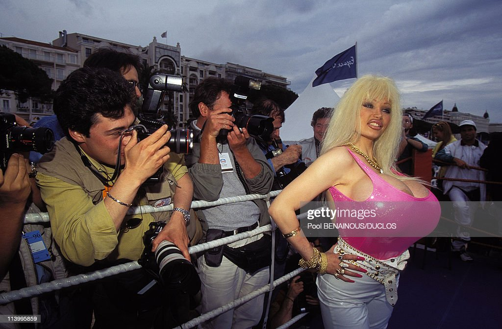 lolo ferrari in cannes france on may 13 1996 news photo getty images. Black Bedroom Furniture Sets. Home Design Ideas