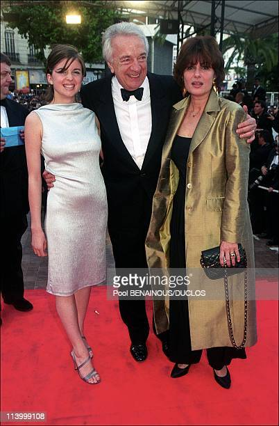 Cannes 99 Stairs Of Film 'Limbo' In Cannes France On May 22 1999JeanPierre Cassel with wife Anne and daughter cecile