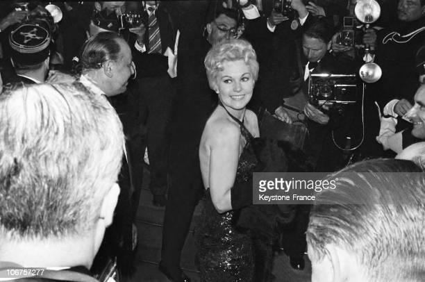 Cannes Festival Kim Novak At Her Arrival In April 1956