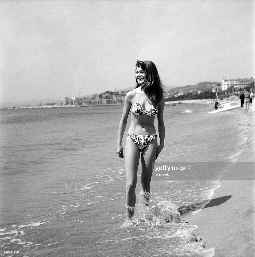 Cannes Film Festival 1953. French actress Brigitte Bardot seen here making her first appearance at the Festival. D3118-0 : News Photo