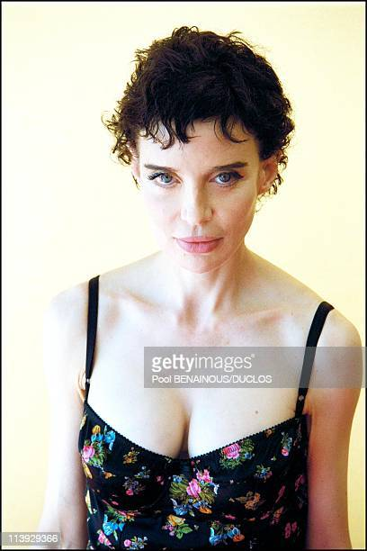 Cannes film festival Anna Thomson actress in Fast food fast woman In Cannes France On May 07 2000