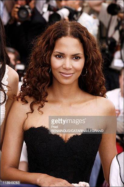 Cannes Film Festival Photo call of XMen 3 The last stand in Cannes France on May 21 2006Halle Berry