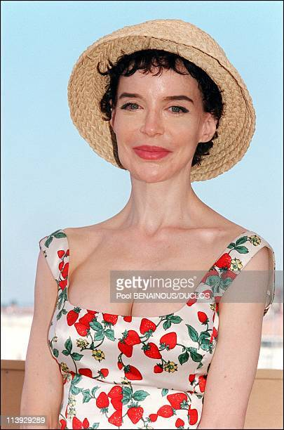 Cannes Film Festival Photocall 'Fast Food Fast Women' In Cannes France On May 15 2000Anna Thomson