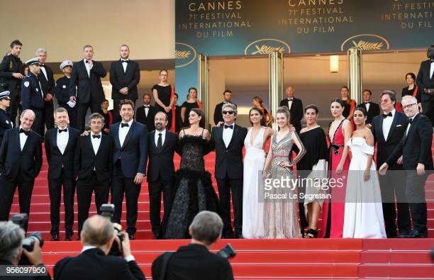 Cannes Film Festival President Pierre Lescure Producer Alexandre MalletGuy actor Eduard Fernandez Javier Bardem director Asghar Farhadi and actress...