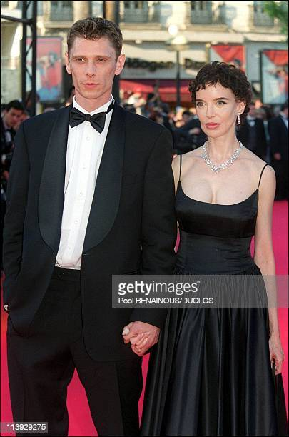 Cannes Film Festival Steps Of Fast Food Fast Women And Tribute To Philippe Noiret In Cannes France On May 15 2000Cast of Fast Food Fast Women Jamie...