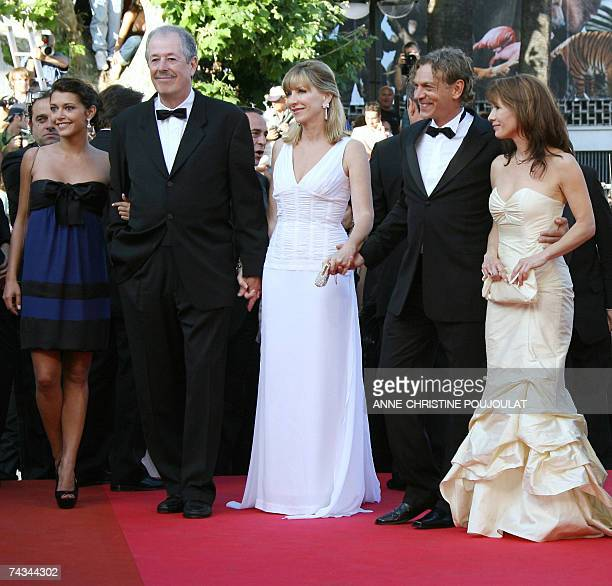 French actress Emma de Caunes Canadian director Denys Arcand his wife and producer Denise Robert and actors Marc Labreche and Sylvie Leonard pose 27...