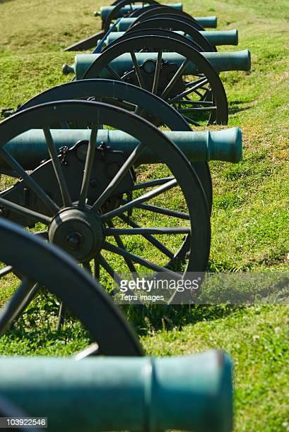 cannons at vicksburg national military park - vicksburg_national_military_park stock pictures, royalty-free photos & images