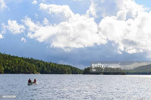 canoagem na suécia no verão - dalsland - fotografias e filmes do acervo