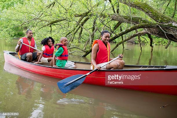 canoa em um lago no canadá - life jacket photos - fotografias e filmes do acervo