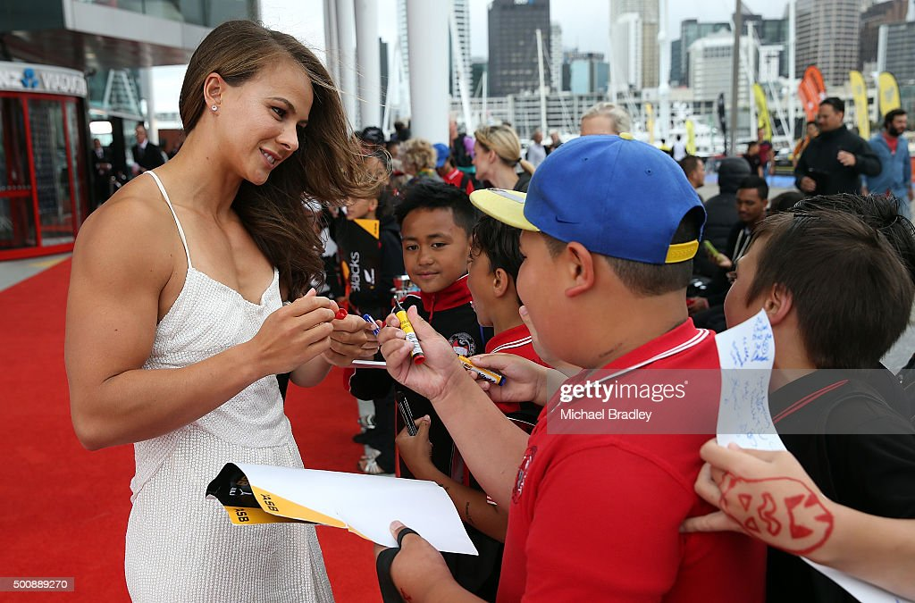Canoer Lisa Carrington meets the fans on the red carpet during the 2015 Steinlager Awards on December 11, 2015 in Auckland, New Zealand.