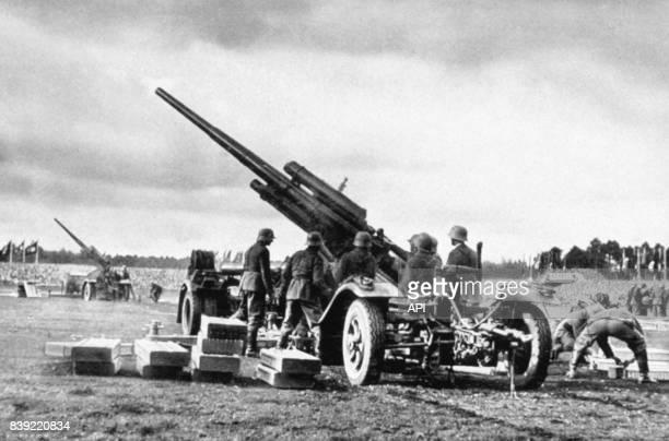 Canon anti aérien lors la 'journée de la Wehrmacht' pendant le congrès de Nuremberg de 1935 en Allemagne