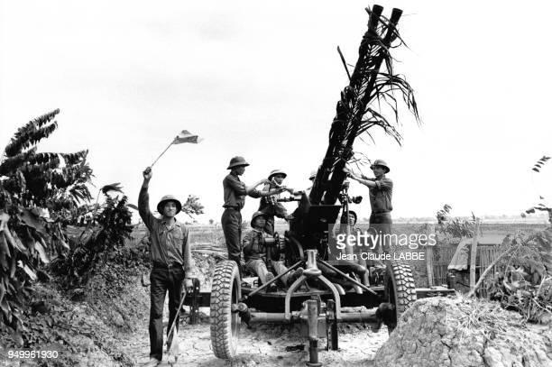 Canon antiaérien de l'armée vietniamienne près de la frontière chinoise pendant la guerre sinovietnamienne au Viêt Nam en février 1979