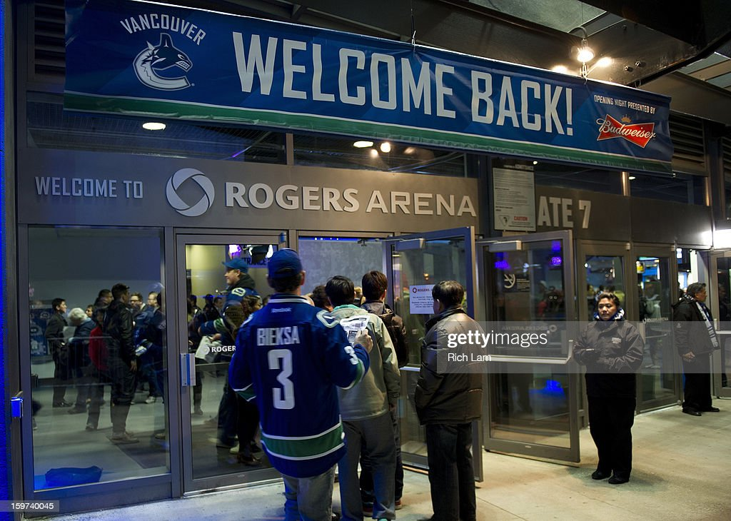 quality design 25a2e 6d956 Canuck arrive at Rogers Arena prior to the start of NHL ...