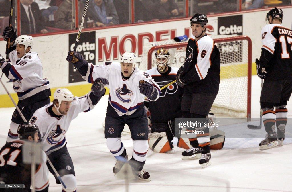 Vancouver Canucks vs Philadelphia Flyers - December 15, 2005