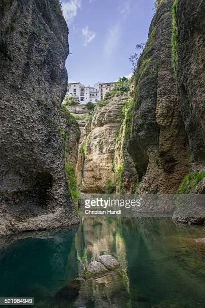 canyon of the rio guadalevin, from the casa del rey moro, ronda, malaga province, andalucia, spain - ronda fotografías e imágenes de stock