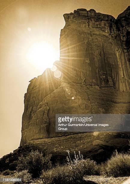 canyon wall at sunset, labyrinth of canyonlands, moab, utah - arthur foto e immagini stock