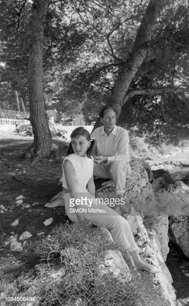 Cap d'Antibes France 27 juillet 1956 Mel FERRER et son épouse Audrey HEPBURN prennent des vacances dans une maison blanche près d'EdenRoc Leur...