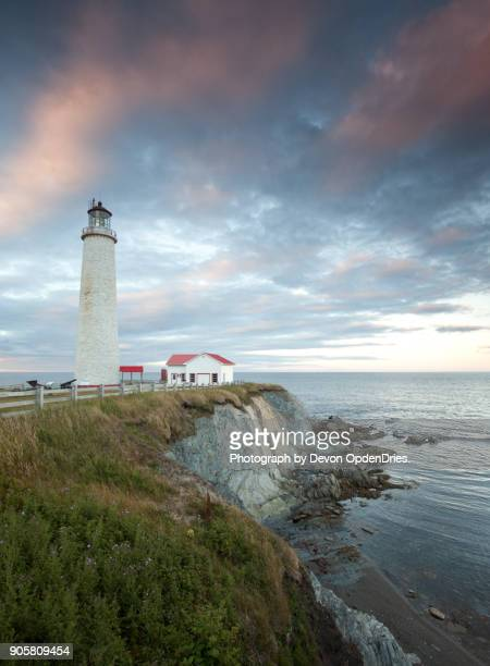 cap des rosiers lighthouse during sunset - cap des rosiers stock pictures, royalty-free photos & images
