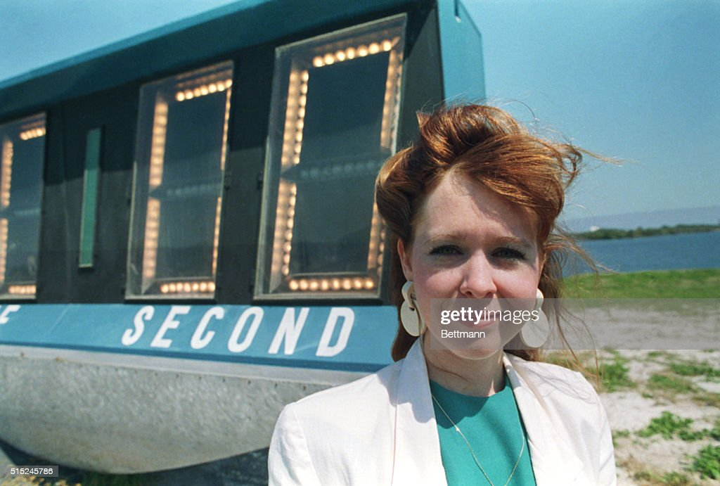 Lisa Malone First Woman to do Launch : News Photo