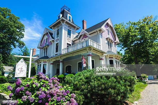cape cod country inn - inn stock pictures, royalty-free photos & images