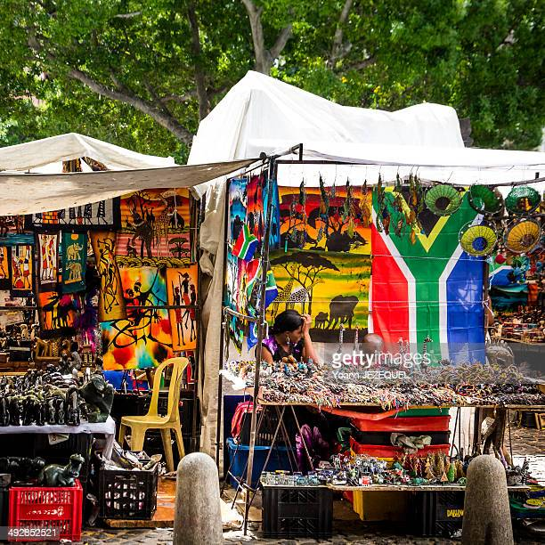 CONTENT] Cape Town African market You can find a lot of african things in this market