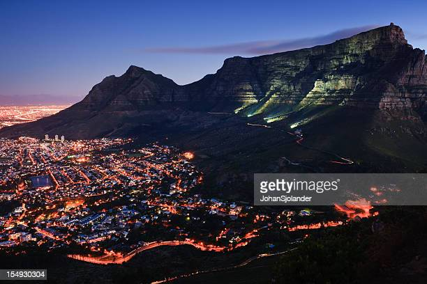 cape town by night - table mountain stock pictures, royalty-free photos & images