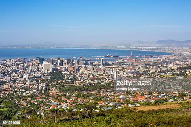 cape town city and harbour overview - merten snijders stockfoto's en -beelden