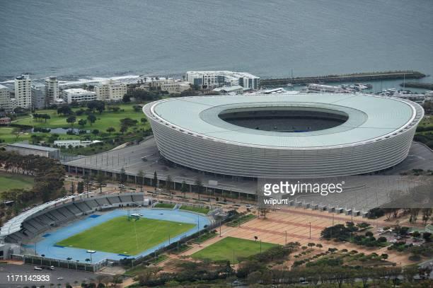 cape town stadium e green point stadium vista de ângulo alto - cidade do cabo - fotografias e filmes do acervo