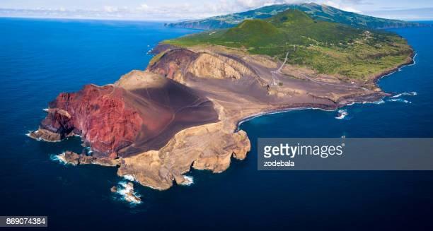volcán de capelinhos en faial azores islas - azores fotografías e imágenes de stock