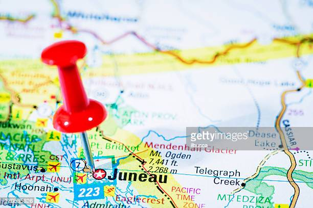 us capital cities on map series: juneau, alaska, ak - alaska us state stock pictures, royalty-free photos & images