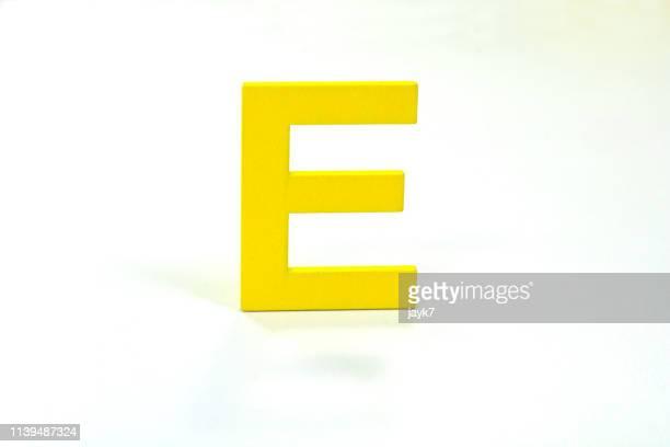 capital letter e - letra e - fotografias e filmes do acervo