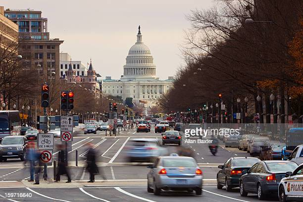 us capitol building at street - capitol building washington dc stock pictures, royalty-free photos & images