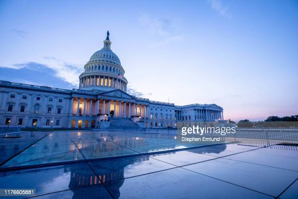 us capitol building in washington dc - politics imagens e fotografias de stock