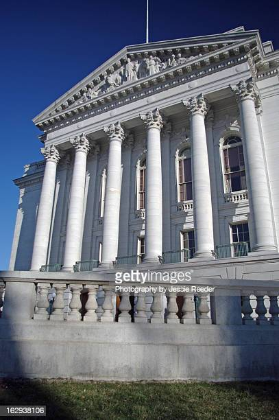 capitol building, madison, wisconsin - iowa_county,_wisconsin stock pictures, royalty-free photos & images