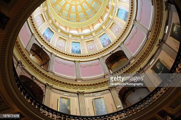 会議事堂のドーム、ランシングミシガン - ランシング ストックフォトと画像