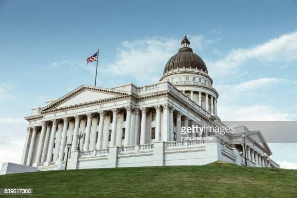 capitol hill in salt lake city - lokales regierungsgebäude stock-fotos und bilder
