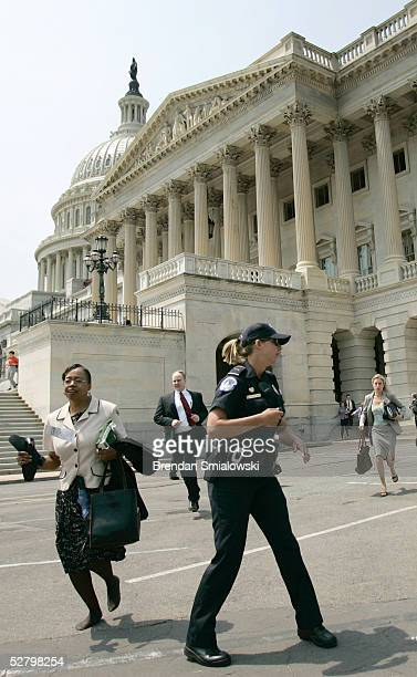 S Capitol Police evacuate the US Capitol May 11 2005 in Washington DC The Capitol and White House where evacuated after an apparent threat from the...