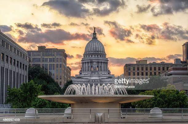 capitols - madison wisconsin stock pictures, royalty-free photos & images