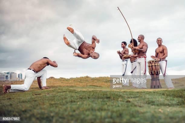 capoeira at beach in salvador da bahia - capoeira imagens e fotografias de stock