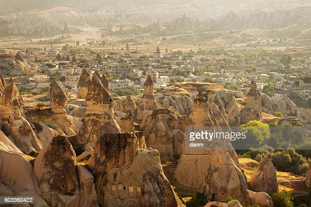cappadocia, goreme turkey. landscape of the village overlooking the above at sunrise. - ネヴシェヒル県 ストックフォトと画像