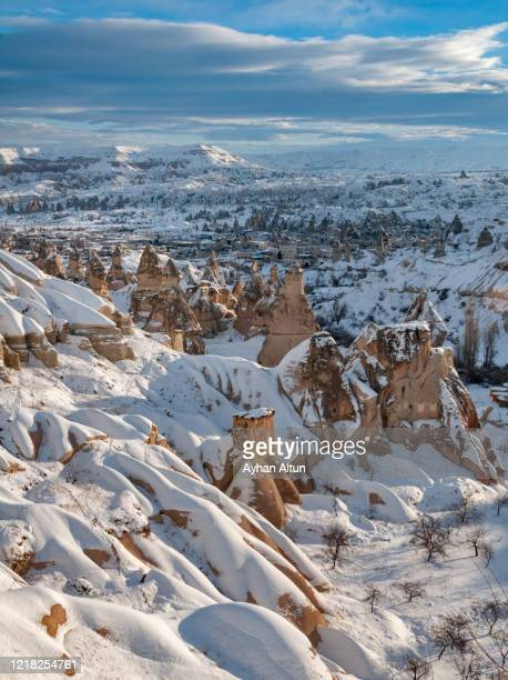 cappadocia region in winter, nevsehir, central anatolia of turkey - turquie photos et images de collection