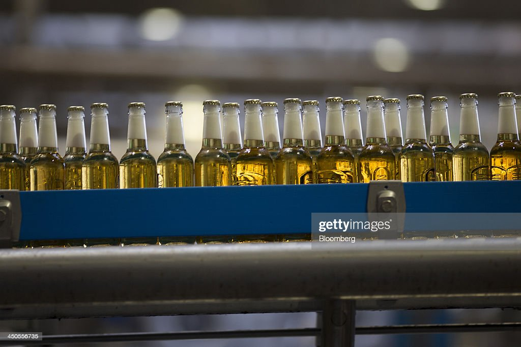 Capped Bottles Of Desperados Beer Brewed By Heineken Nv Pass Along Photo D Actualite Getty Images