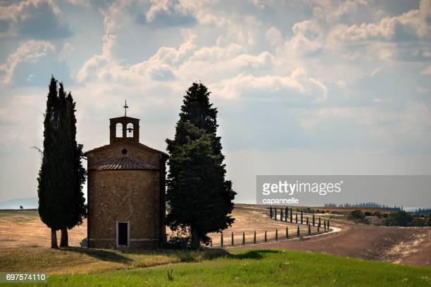 cappella della madonna di vitaleta - capella di vitaleta stock pictures, royalty-free photos & images