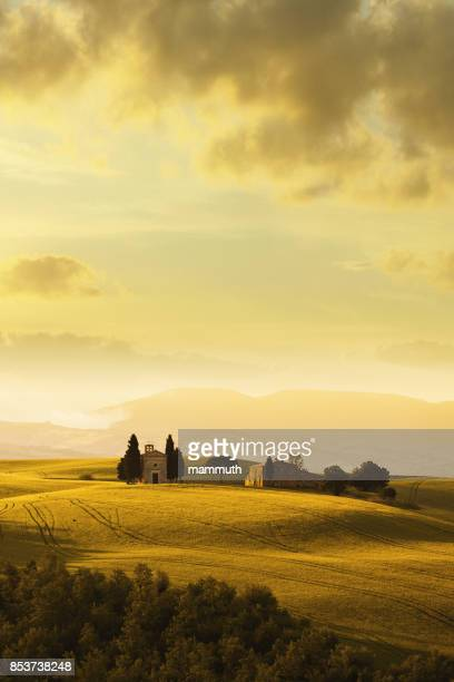 cappella di vitaleta in tuscany, italy - tuscany stock pictures, royalty-free photos & images