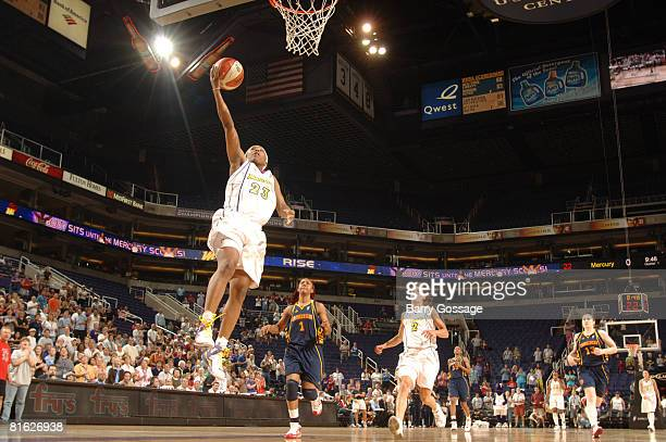 Cappie Pondexter of the Phoenix Mercury shoots against the Connecticut Sun at US Airways Center June 18 2008 in Phoenix Arizona NOTE TO USER User...