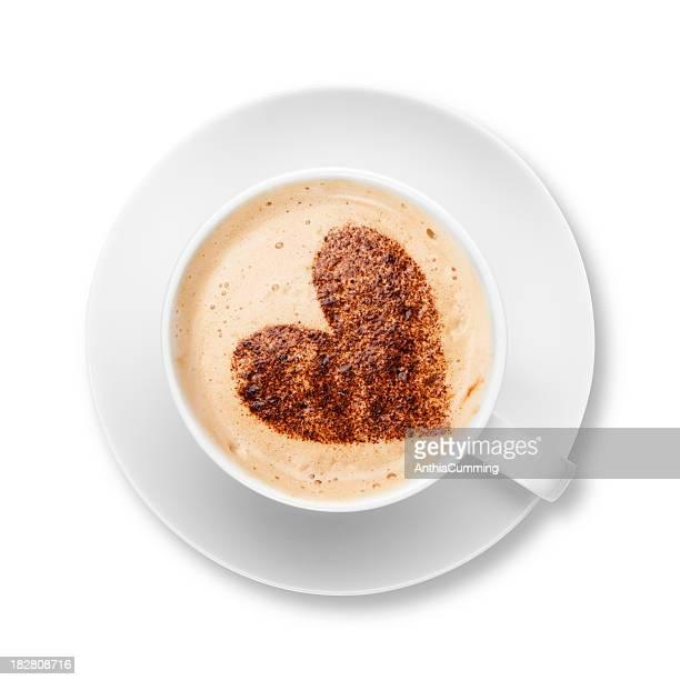 カプチーノ、ホワイトのカップとソーサーでチョコレートの中心